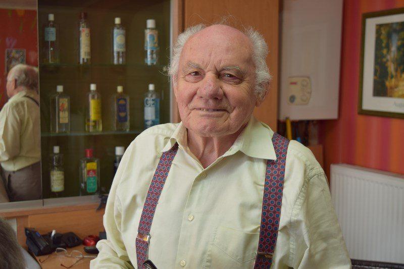 70 ans de carrière pour le coiffeur de la Rue Léon Simon