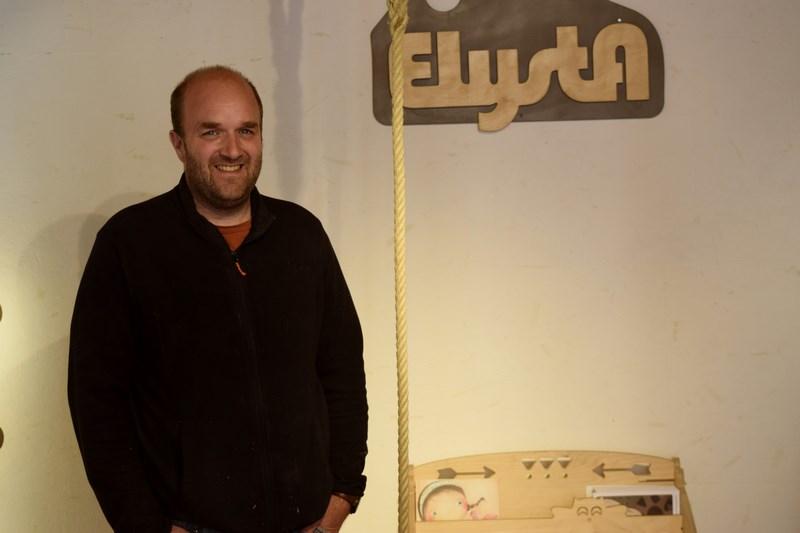 Elysta, des meubles belges et durables, créés à partir de l'imaginaire de deux passionnés