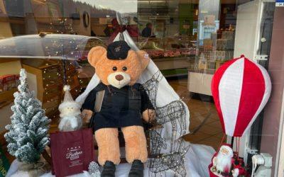 Invasion d'ours dans les vitrines des commerçants andennais
